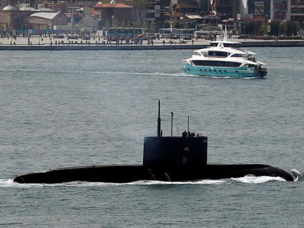 Russia's Black Sea Fleet vessels take to sea for drills