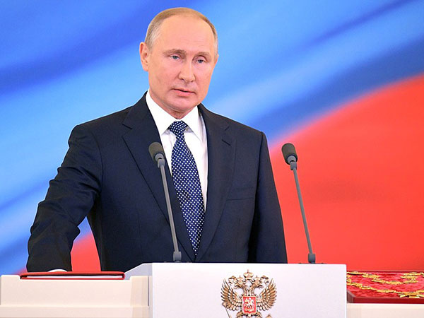 Putin says there is no alternative to Minsk Agreements