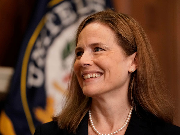 Democrats, trying everything, fail to derail Amy Coney Barrett confirmation
