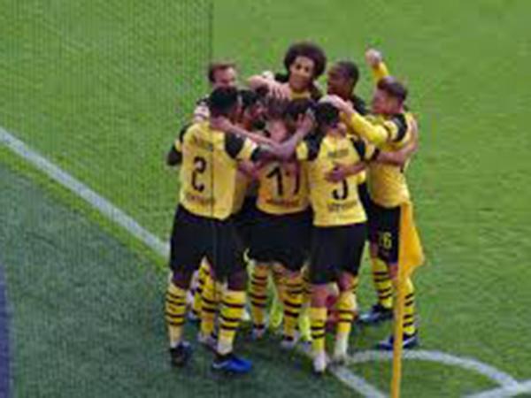 Haaland scores twice as Borussia Dortmund win away to Sevilla