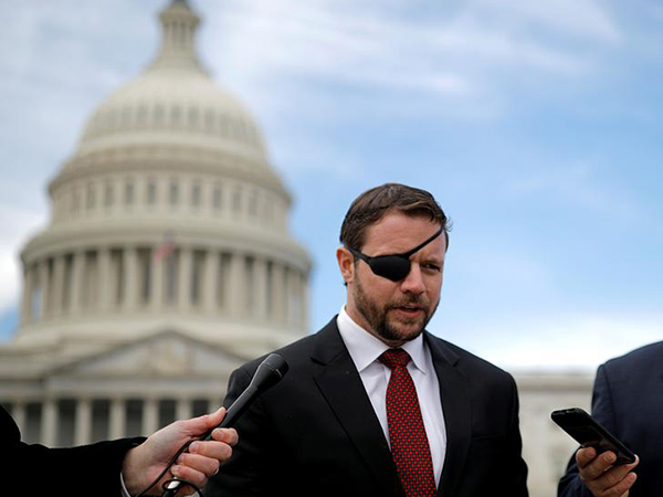 Rep. Crenshaw signed $250G book deal before joining Congress, report shows