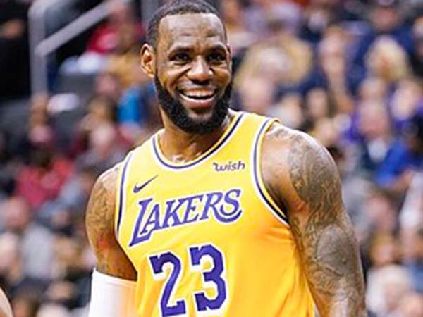 Trump takes aim at LeBron James ahead Lakers-Heat Game