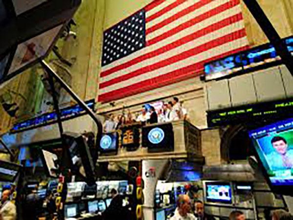 Experts warn of near-term risks facing U.S. equity market