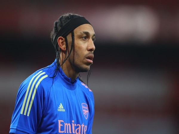 Arsenal captain Aubameyang says he has malaria