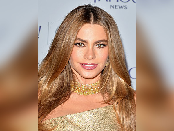 Sofia Vergara posts behind-the-scenes pics from steamy 2015 Vanity Fair photo shoot