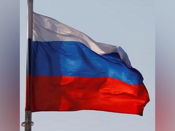 Russian Health Ministry Greenlights Joint Trials of AstraZeneca, Sputnik Light Vaccines