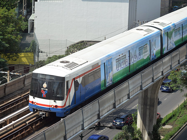SkyTrain workers vote 96.8% in favour of job action but have no immediate plans to strike