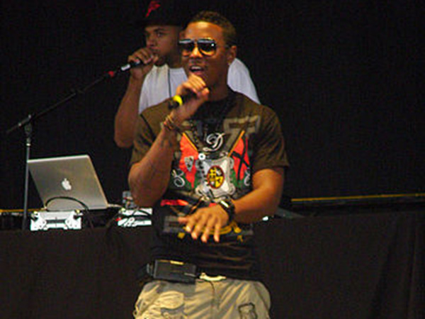 Singer-rapper Jeremih hospitalized with coronavirus is in ICU in critical condition