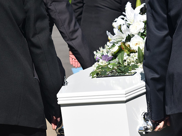 Prankster's pre-recorded funeral message from the grave gives family one last laugh