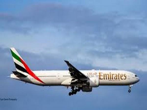 Emirates temporarily suspends flights to Sudan