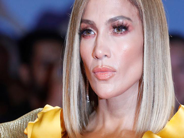 'Hustlers' star Jennifer Lopez heckled for wearing fur at Toronto Film Festival premiere