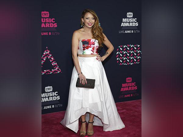 Country singer Kalie Shorr announces coronavirus diagnosis