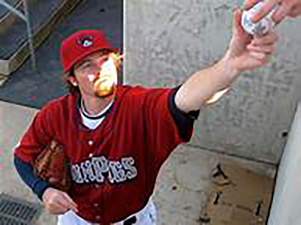 Former Phillies pitcher Tyson Brummett killed in plane crash