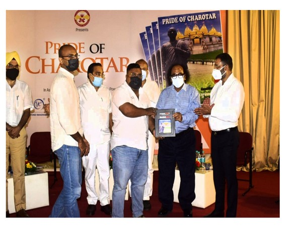 Philanthropist awarded by Gujarat BJP President CR Patil for his work amid pandemic
