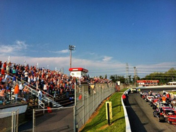 North Carolina speedway sees thousands in the stands, few with masks despite coronavirus risk