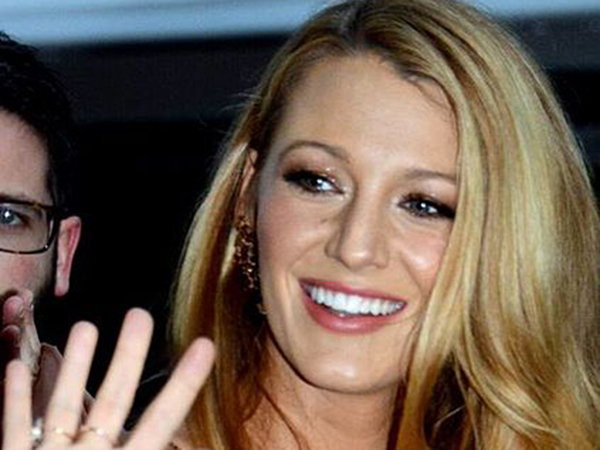Blake Lively is unrecognizable in selfie donning a bowl cut