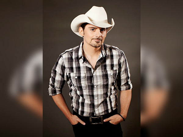 Brad Paisley surprises over 600 nurses with special 'Thank You' video message