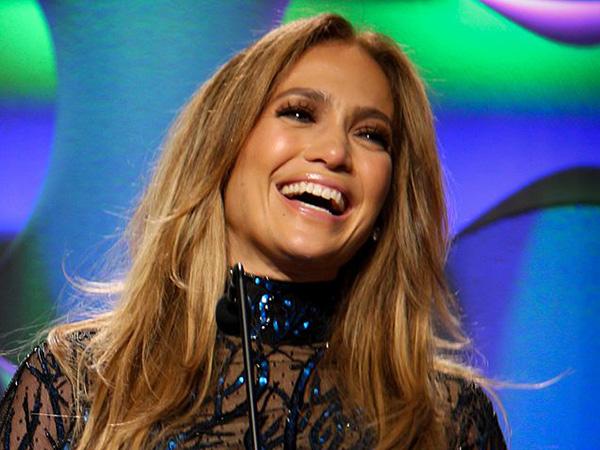 Jennifer Lopez, Alex Rodriguez endorse Joe Biden ahead of 2020 presidential election