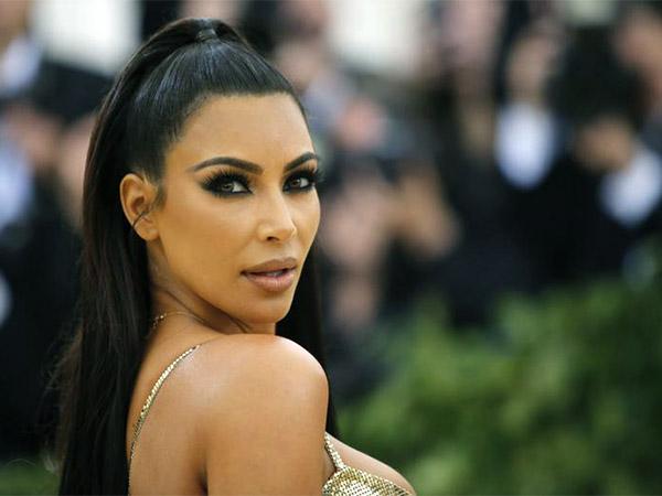 Kim Kardashian slammed for Photoshop fail on her foot