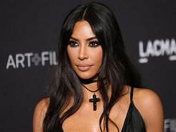 Kim Kardashian, Kylie Jenner heat up Instagram with bikini photos