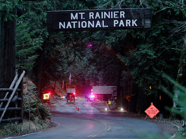 Family of missing Seattle hiker urges authorities, Trump to continue search