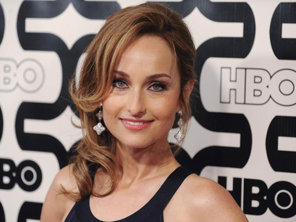 Giada de Laurentiis, 49, stuns on the beach in red swimsuit
