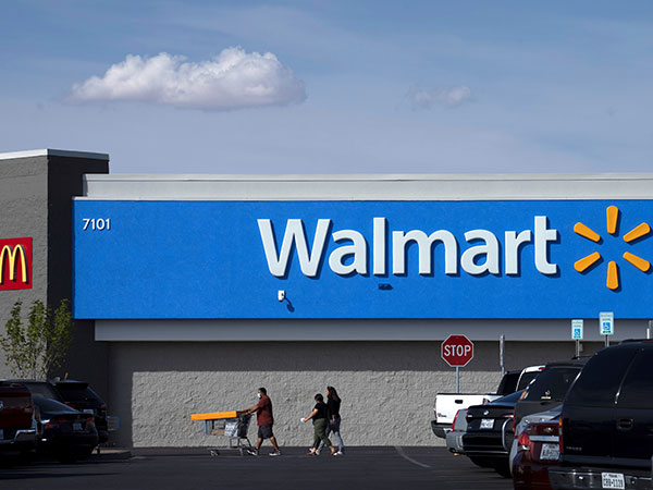 Ohio Walmart shopper arrested, allegedly brandished brass knuckles after refusing to wear mask