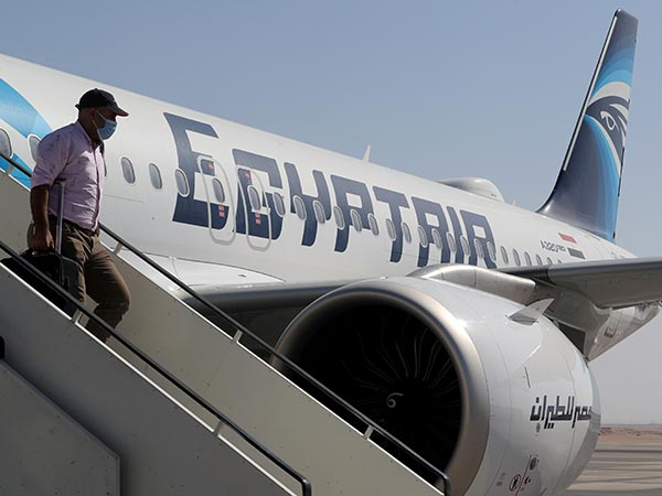 EgyptAir gives baby born on flight free airline tickets for life