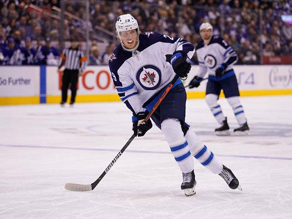 Patrik Laine lights up Senators for hat trick on Hockey Day in Canada
