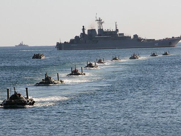 Russia's Black Sea Fleet monitors USS Donald Cook in Black Sea