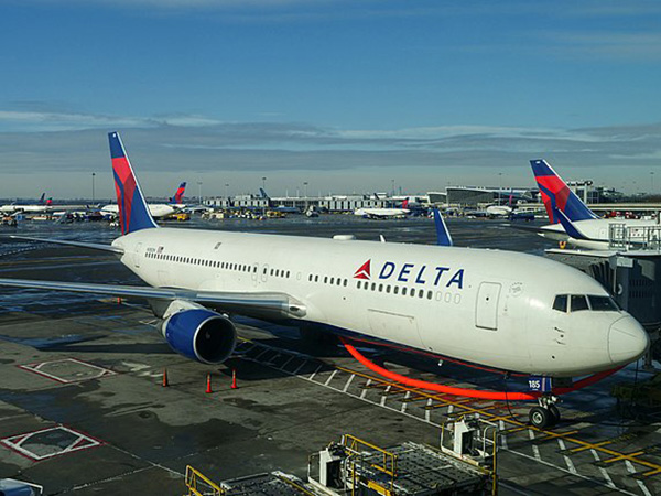 Delta CEO calls New York-London travel corridor 'complicated,' as airlines aim to revive transatlantic travel