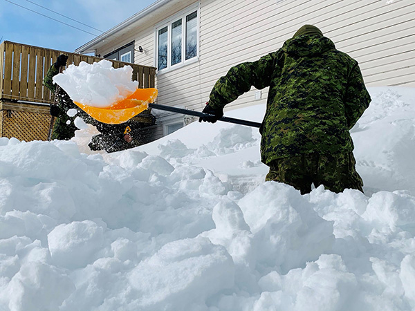 Many snowbirds flocking south despite Canadian government's plea to seniors to stay home