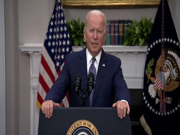 Biden meets with Ukrainian president over security issues, ties