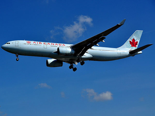 More than a million Canadian citizens and permanent residents returned home last week