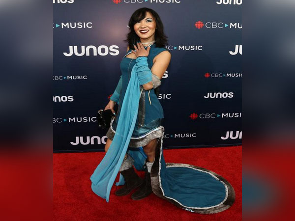 Acclaimed Inuk singer Kelly Fraser was 'fiercely open with her fans,' says family