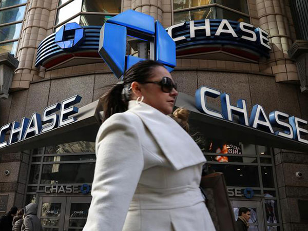 'It's crazy': Chase Bank forgiving all debt owed by its Canadian credit card customers