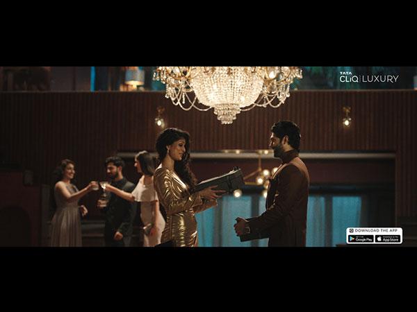 Tata CLiQ Luxury's new gifting campaign celebrates timeless bonds this festive season