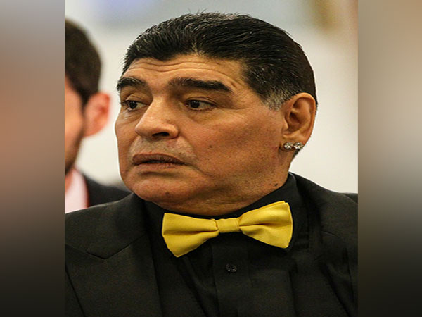 Maradona returns as Gimnasia boss