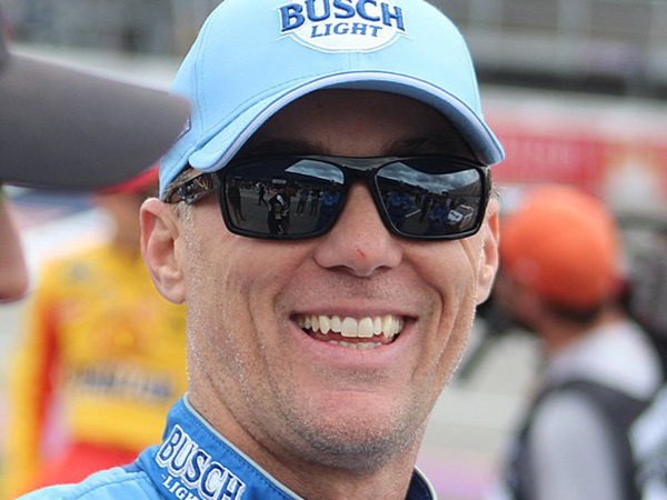 Kevin Harvick wins NASCAR's return to racing at Darlington Speedway