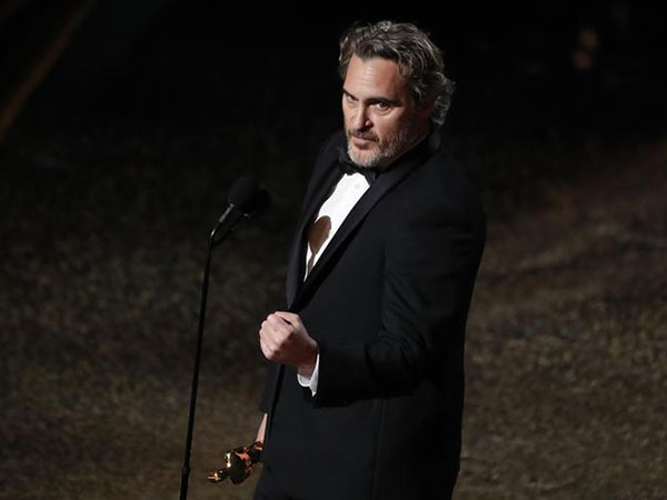 Joaquin Phoenix calls for equality and quotes his brother in Oscar speech