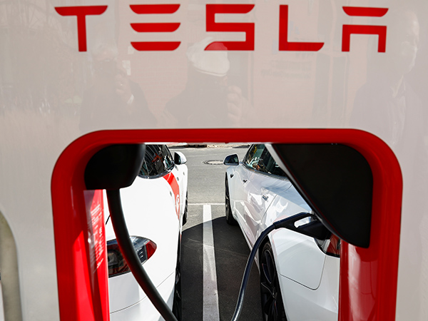 Tesla could produce $25K electric car within 3 years, Elon Musk says