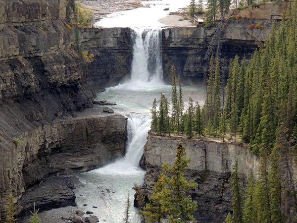 'How can one bear that pain?': Family shattered after 3 members drown in Alberta waterfall