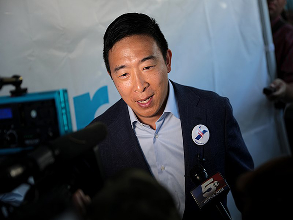 Andrew Yang: New 'SNL' cast member Shane Gillis shouldn't lose job over racist remarks