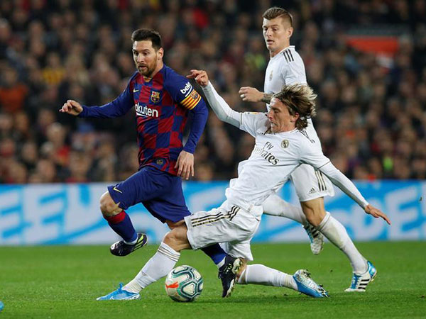 Barcelona vs Madrid ends 0:0 for first time in 17 years amid clashes