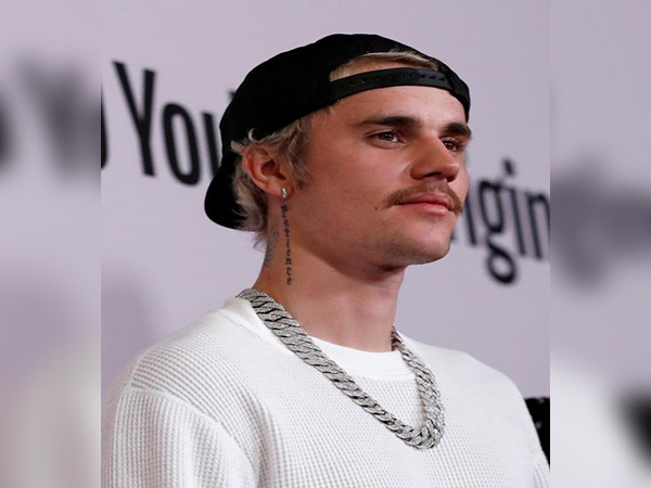 Justin Bieber's Changes beats Elvis Presley's 60-year record