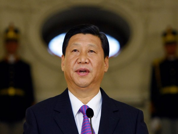 Xi sends greetings to working people nationwide ahead of Int'l Workers' Day