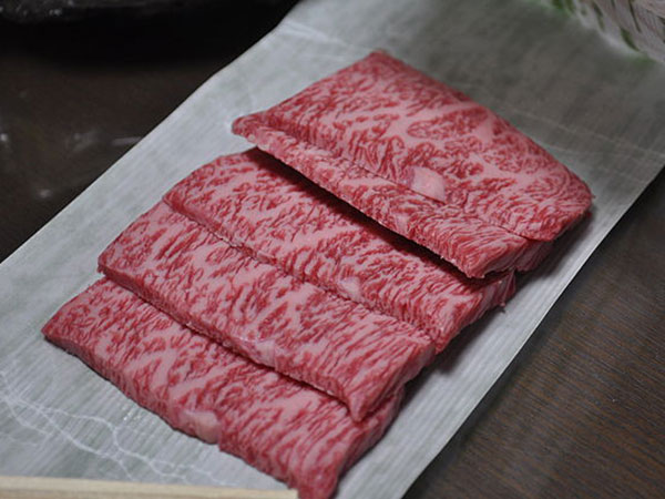 China resumes imports of Canadian meat