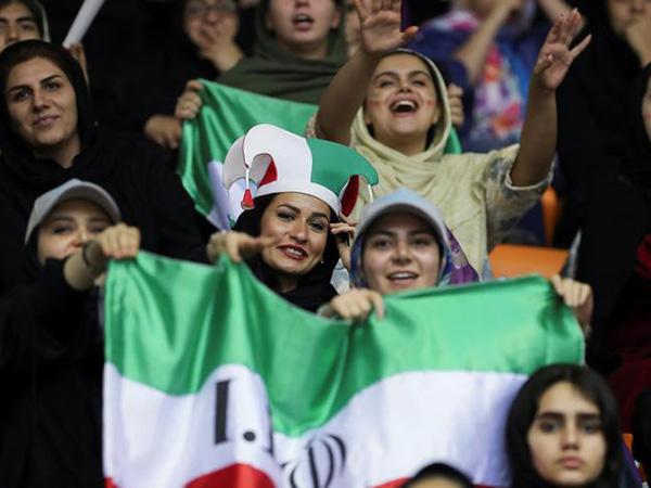 'An extraordinary feeling': Iran women attend football match