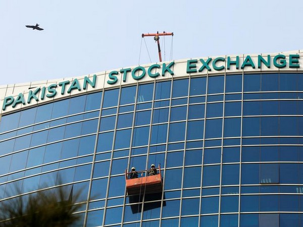 Trading halted at PSX once again as KSE-30 sinks 5.33pc,