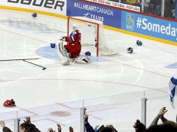 World juniors roundup: U.S. beats Russia to move atop Group B standings